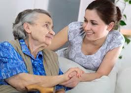 Savoir parler de l'aide à domicile à ses parents